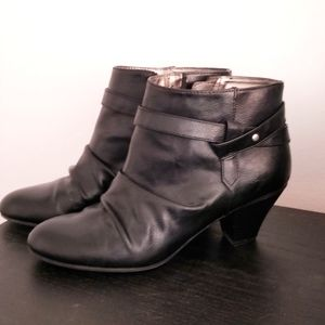 ⚡Sale⚡Life Stride ankle boots - size 8.5